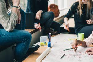 Pourquoi et comment l'apprentissage permet de décrocher plus facilement un emploi