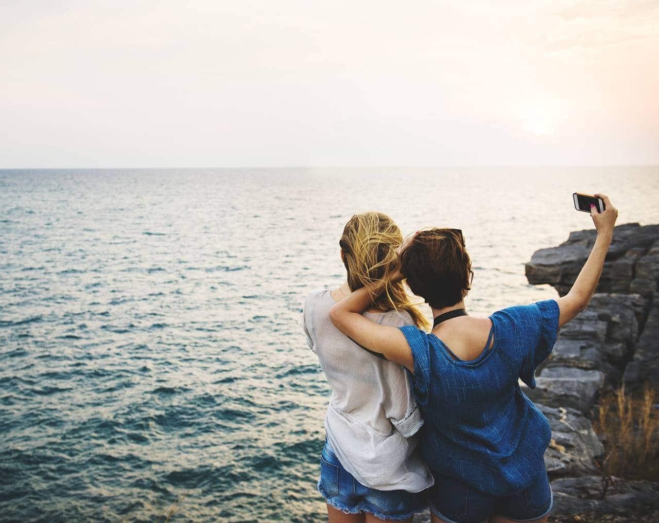 Faire des rencontres amicales pour partir en voyage ensemble