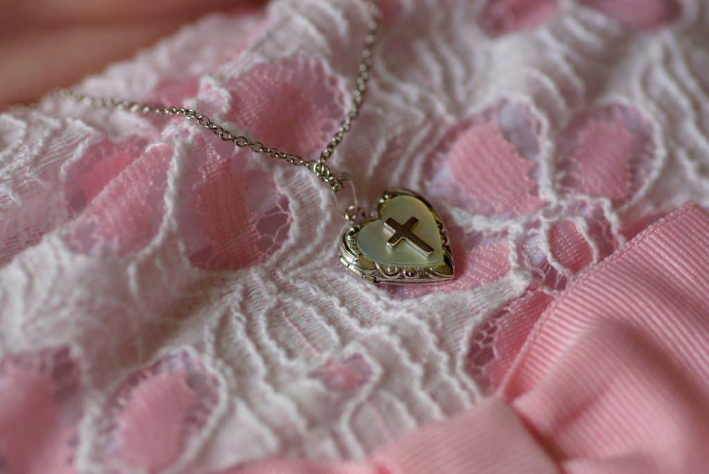 Les bijoux pour une communion