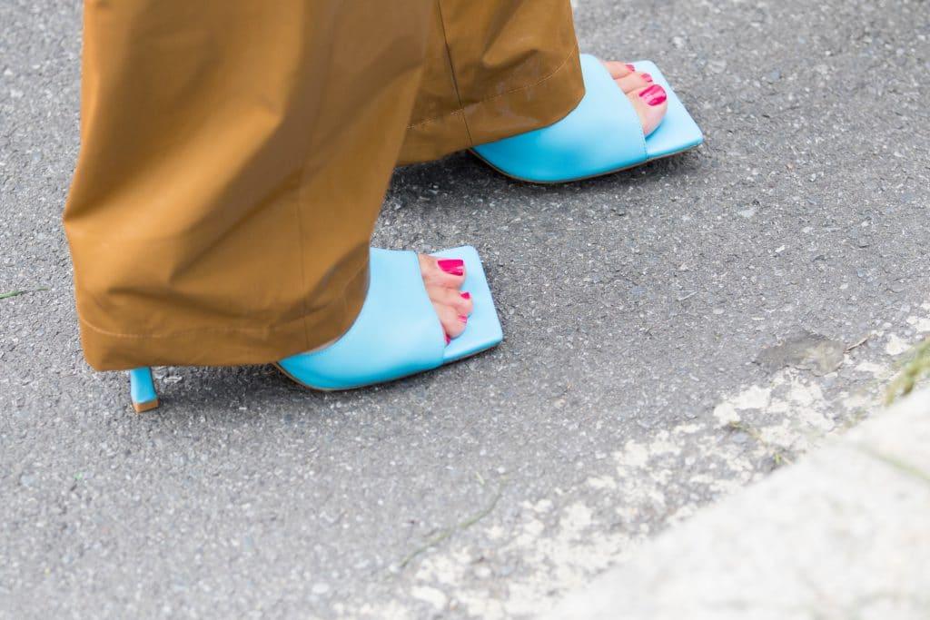 Les chaussures à bouts carrés