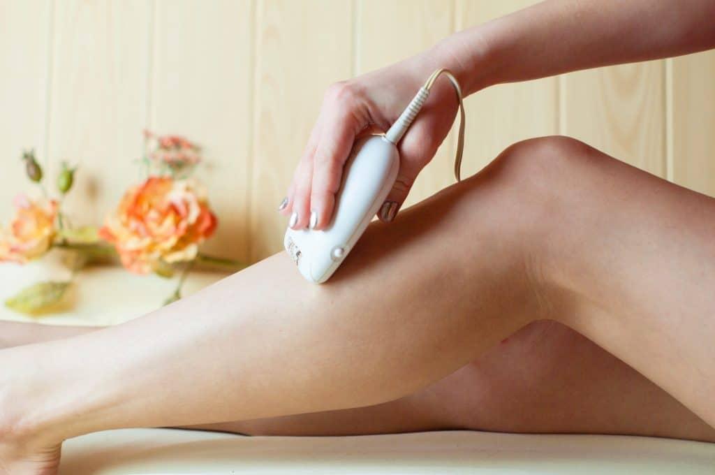 L'épilation au rasoir : à éviter, surtout sur les peaux sensibles
