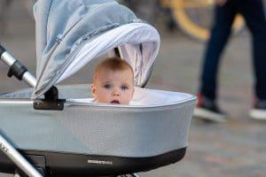 Comment trouver un job de baby-sitter à Paris ?