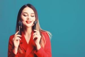 Apprendre à se maquiller pour une soirée chic : quelques conseils