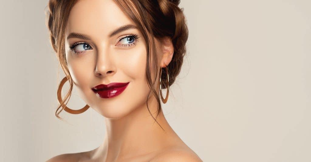 Quels types de maquillage faire pour une soirée chic ?