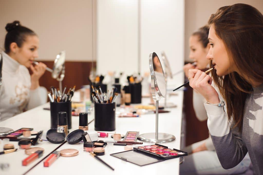 Où trouver des cours pour apprendre le maquillage à Paris ?