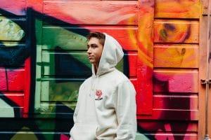 Sweats pour garçon : comment choisir le hoodie parfait ?
