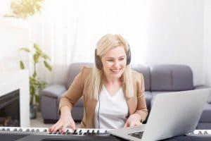 Apprentissage du piano en ligne : une méthode pratique ?